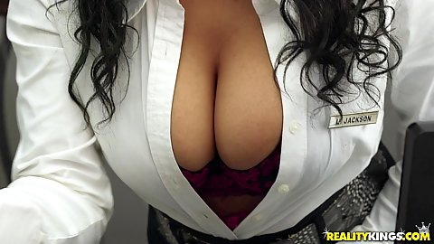 Jenna J Foxx is a hotel receptionist with incredibly large boobs and cleavage so the guest calls her in to fix his clogged pipe
