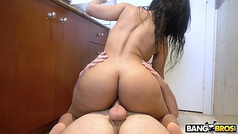 Juicy booty milf housewife Rose Monroe likes to fuck on the floor more than in bed cuz she is a damn cheater