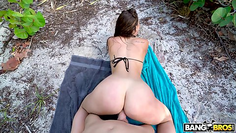 Beach fucking in the bushes on a deserted island Kelsi Monroe showing her meaty her butt is