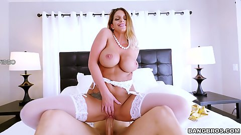 Wedding day is good with future stepmom milf Brooklyn Chase getting on top of that cock with ready pussy