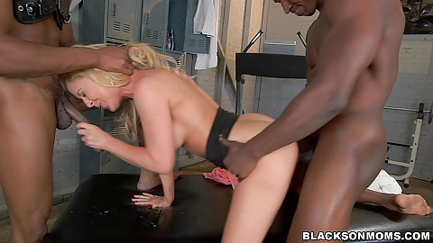 Standing fuck from the back with horny milf Cherie Deville doing two athletes for report at the gym