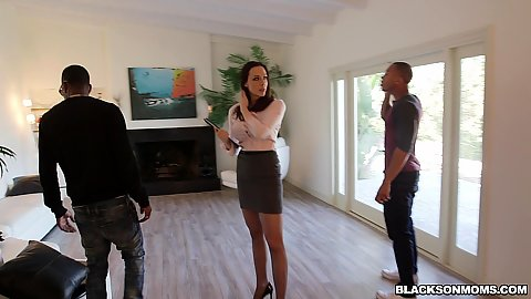 Chanel Preston working as a part time realtor has some dudes come over and check out her place