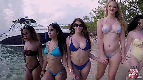 Teen bikini strand pic xxx