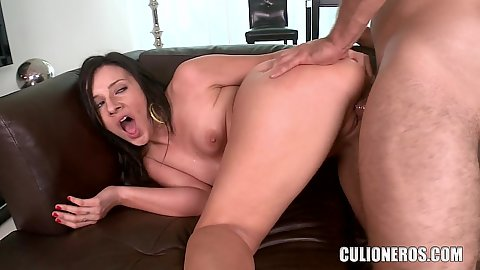 Girl screams as she nail her snatch and cum on her face Ashli Orion whe likes it rough oh yea
