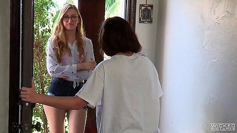 Impulsive blonde Britney Amber in story based sage comes over to get some fuckign done