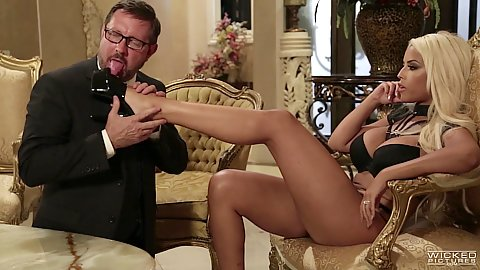 Sexy blonde milf is a romantic mistress Bridgette B. with sexy feet called out to satisfying urging cock requirements