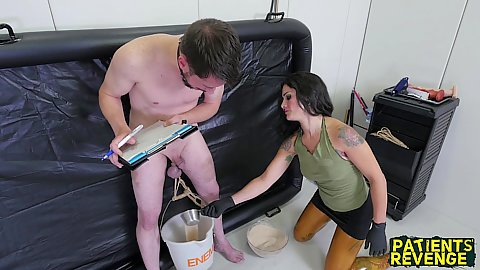 Girl gets fucked in jail
