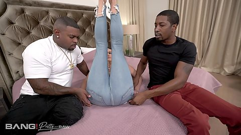Tight jeans on busty milf Becky Bandini interracial bedroom plan undressing and bubble butt face sitting cunnilingus