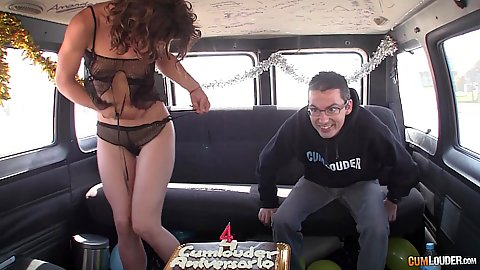 Linge and a birthday party in the back of our van for bitchday special Julia Roca