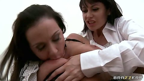 Rough lesbian sex and spitting in mouth with Kendra Lust