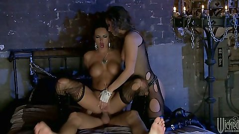 Threesome fetish leather sex action with Alektra Blue and Tori Black