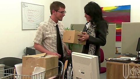 Office milf Persia Pele doing some boxes and fucked on table