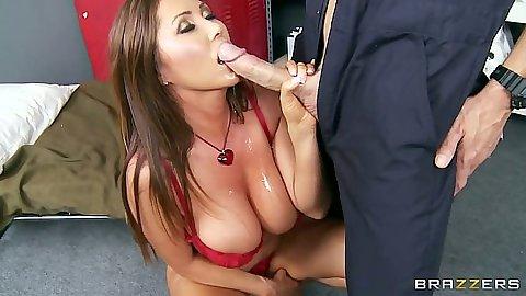 Lezbijski seks ljubljenje maca