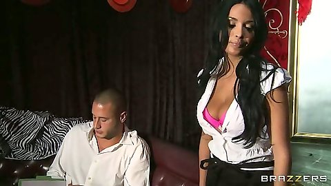Anissa Kate looking great showing awesome cleavage