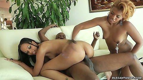 Ebony babes Sydnee Capri and Navaeh Keyz team up on dick