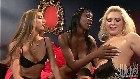 Isabella Sky and Angelica Saint with Erika Vution lesbian and ebony threesome