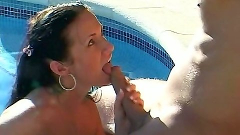 Blowjob with Marika outdoors in the pool