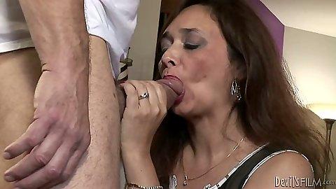 Mature milf Alesia Pleasure blowjob and then her husbands sucks