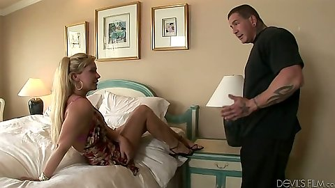 Fully clothed blonde Phyllisha Anne bedroom make out blowjob