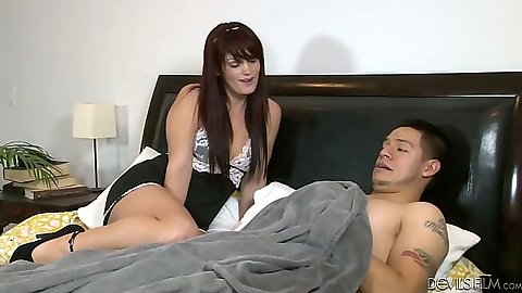 Christina Snow sucking dick in bed