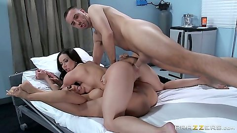 Doggy style lesbian 2 on 1 fuck from horny Rachel Starr and Kendra Lust