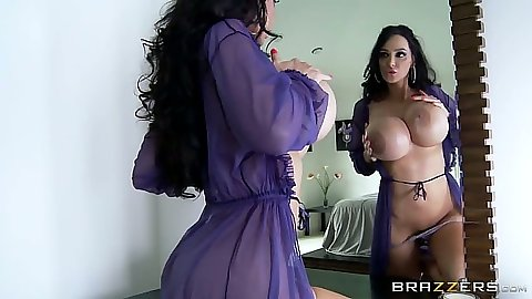 Lingerie milf posing her naked body solo in front of mirror Amy Anderssen