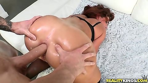 Anal with oil doggy style and ass to mouth from curvy booty Savannah Fox