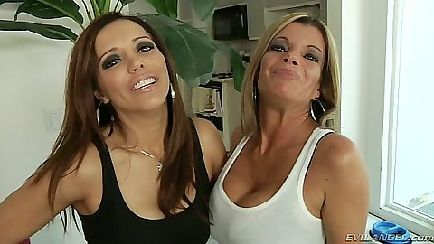 Francesca Le and Krystal Summers lesbians milfs going at it