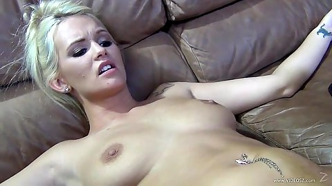 Slim looking natural boobies slut Emily Austin gets blind fold for sex