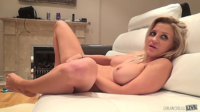 Masturbation with horny Sienna Day solo views:461