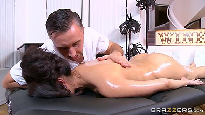 Seductive latina massage with oil from Vicki Chase views:746