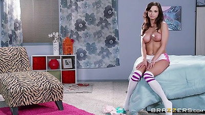 Softcore babe Ashley Sinclair with perfect body posing solo views:543