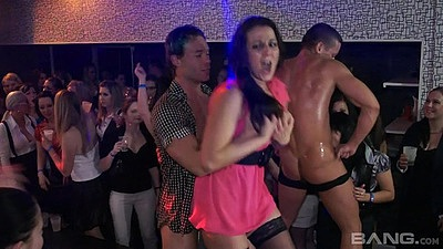 Male strippers getting blowjobs from cfnm clothed party bitches views:703