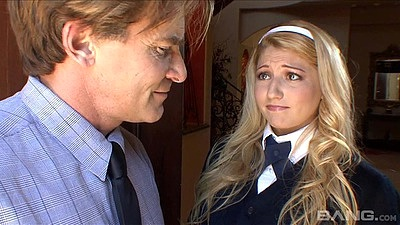 Blonde school girl Jessi Stone and older man have fellatio views:669