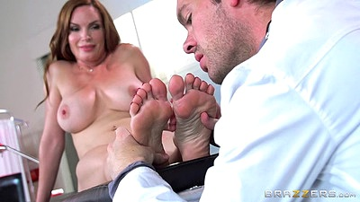 Feet exam at doctors office with milf Diamond Foxxx views:1516