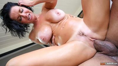 Lecherous reverse cowgirl with compensating whore Veronica Avluv views:4978