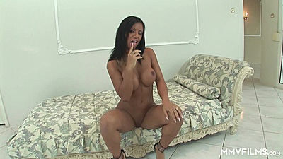 Busty Kyra Black is an independent black woman views:687