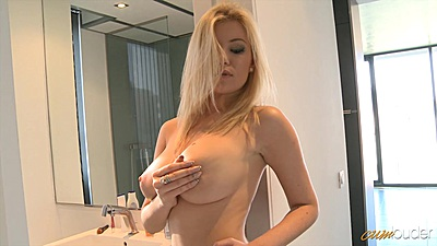 Big juggs babe Donna Bell touches self views:2253