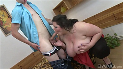 Young boy getting his cock polished by a fat amateur mature Vikky Wild views:373