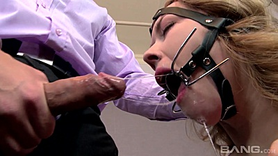 Mouth spreader fetish submission with Kandall N views:663