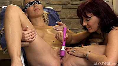Julia Pink and her friend vibrator and dildo in cunt views:1228