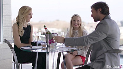 Having a little get together with Scarlett Sage and Alexa Grace to gather new ideas views:572