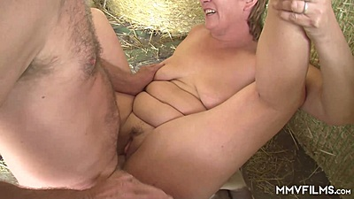 Frontal pussy slamming in the farm with granny views:164
