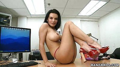 Milf Baily Brooks climbs on the table and opens legs