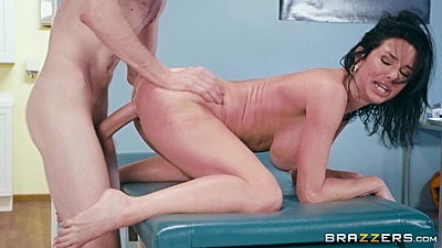 Doctor is crewing this big boobs milf Veronica Avluv and finishing in her open mouth views:876
