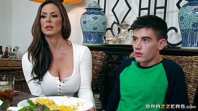 Fully clothed brunette milf Kendra Lust stuffs mouth with cock for thanksgiving views:2038