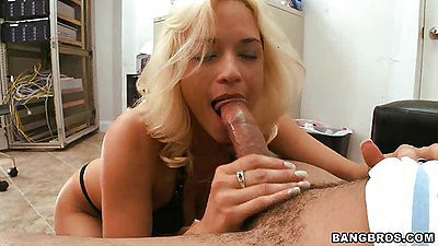 Sexy blond emilf Cameron Cain sucking off dick