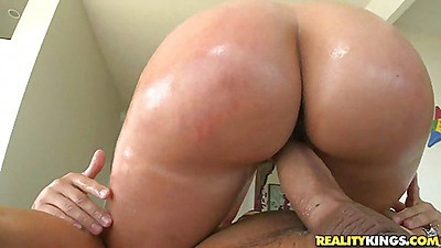 Anal massage and Kelly is sitting on it with her anus