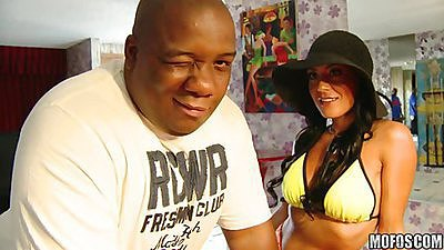 Milfs like it black and guess who is back views:4847