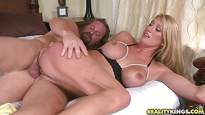 Tarra fucekd sideways and big tits hanging views:5937